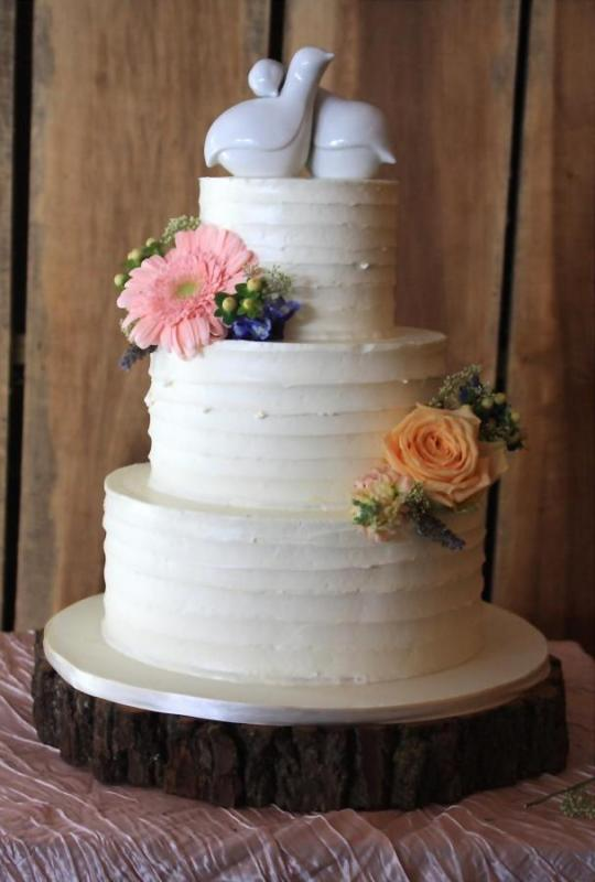 two-flower-wedding-cake